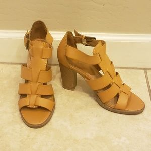 Bongo brown leather sandals!!